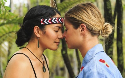 maori_greeting_females