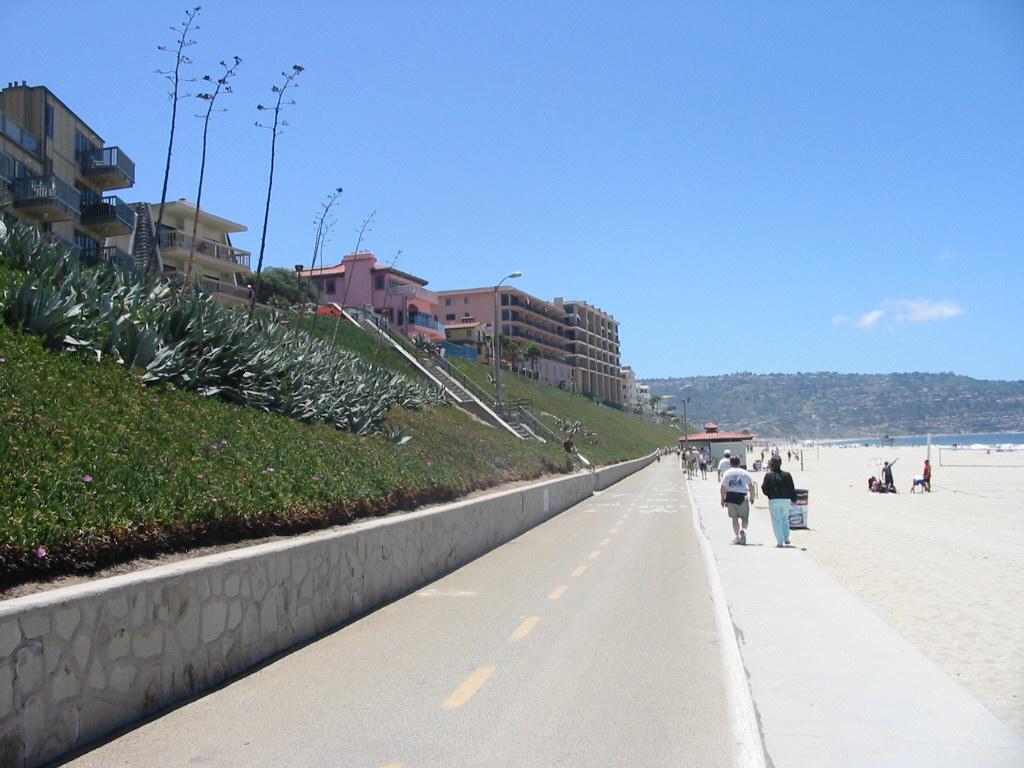 Esplanade Redondo Beach Ca