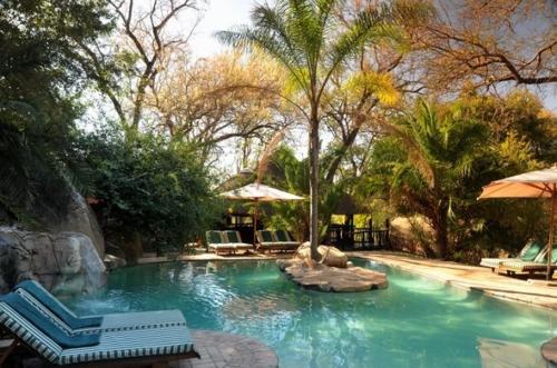 idube-game-lodge-pool-01-590x390